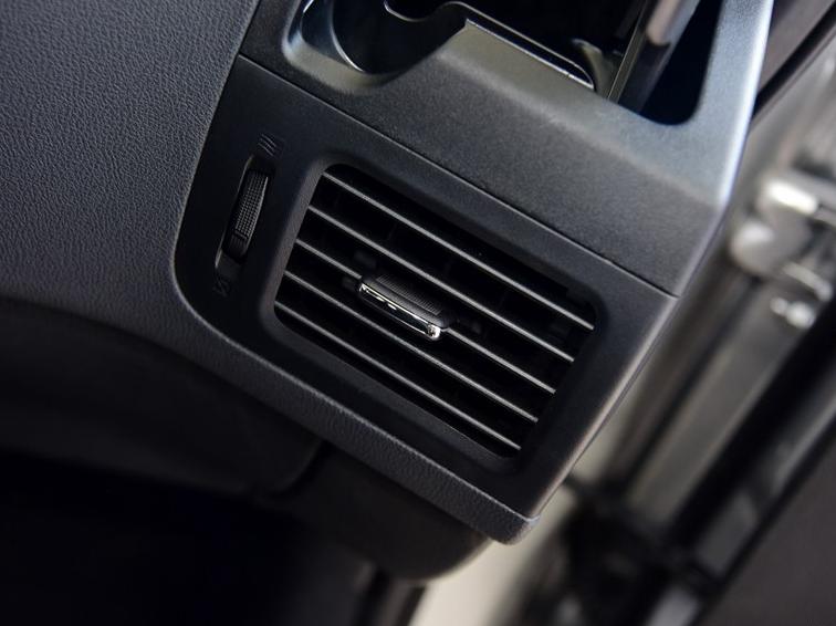 东风风度MX6 2015款 2.0L CVT两驱卓越版图片8