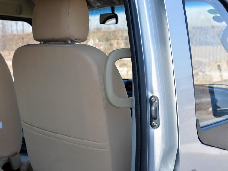 东风小康C36 2015款 1.5L基本型ⅡDK15-06车厢座椅图片