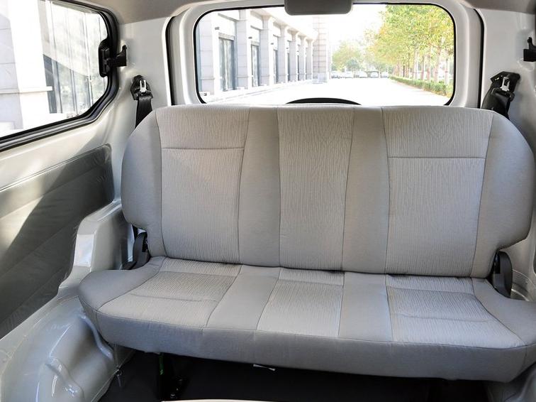 五菱宏光 2010款 1.2L 基本型车厢座椅图片