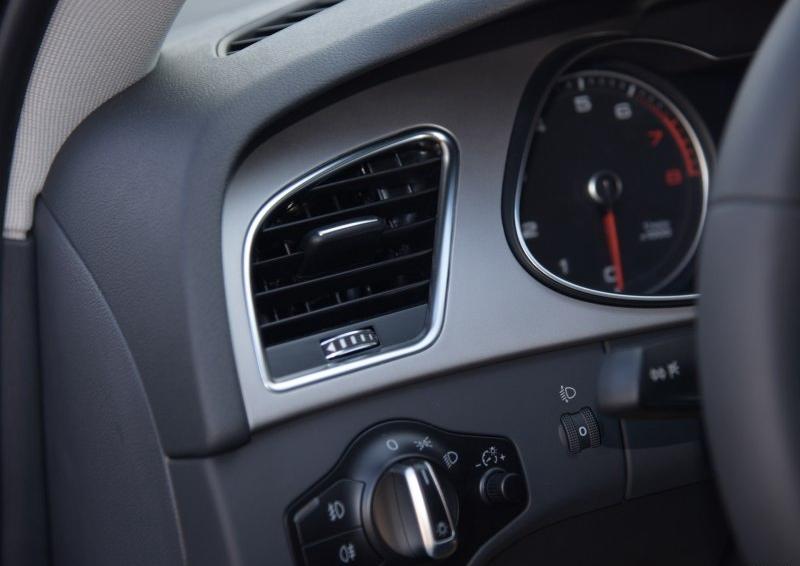 奥迪A4L 2016款 30 TFSI 自动舒适型图片9