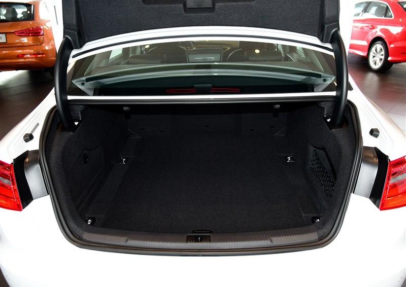 奥迪A6L 2015款 30 FSI 百万纪念舒享型车厢座椅图片