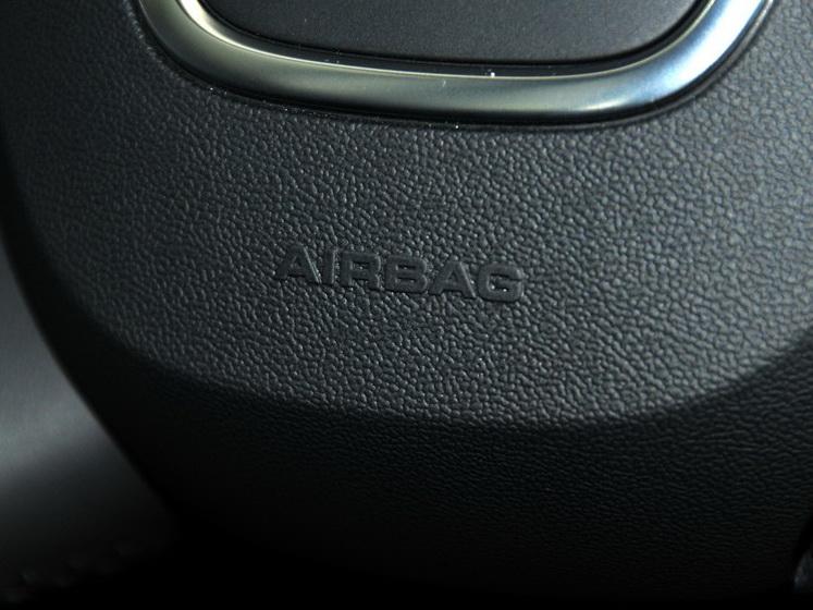 奥迪A3(进口) 2013款 Sportback 30 TFSI 技术型中控方向盘图片