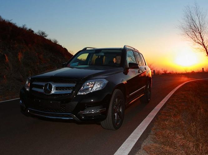 奔驰GLK级 2013款 GLK300 4MATIC 动感天窗型车身外观图片