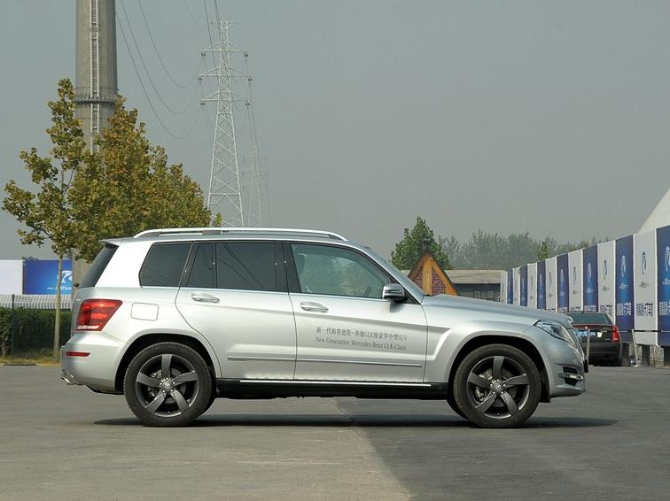 奔驰GLK级 2013款 GLK300 4MATIC 豪华型车身外观图片