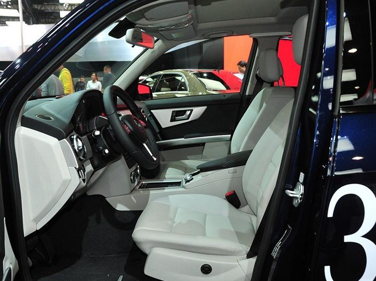 奔驰GLK级 2014款 GLK260 4MATIC 动感型车厢座椅图片