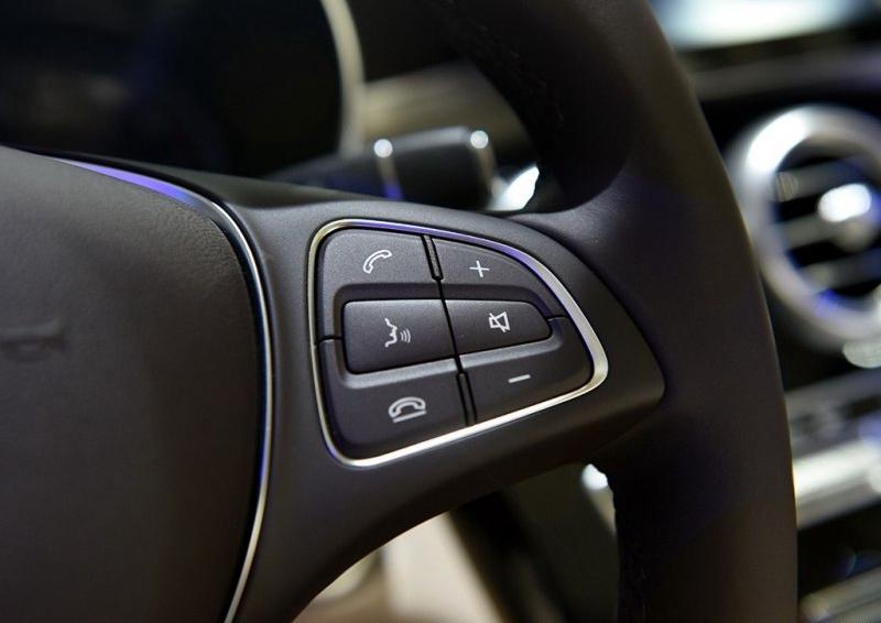 奔驰GLC级 2016款 GLC 200 4MATIC中控方向盘图片