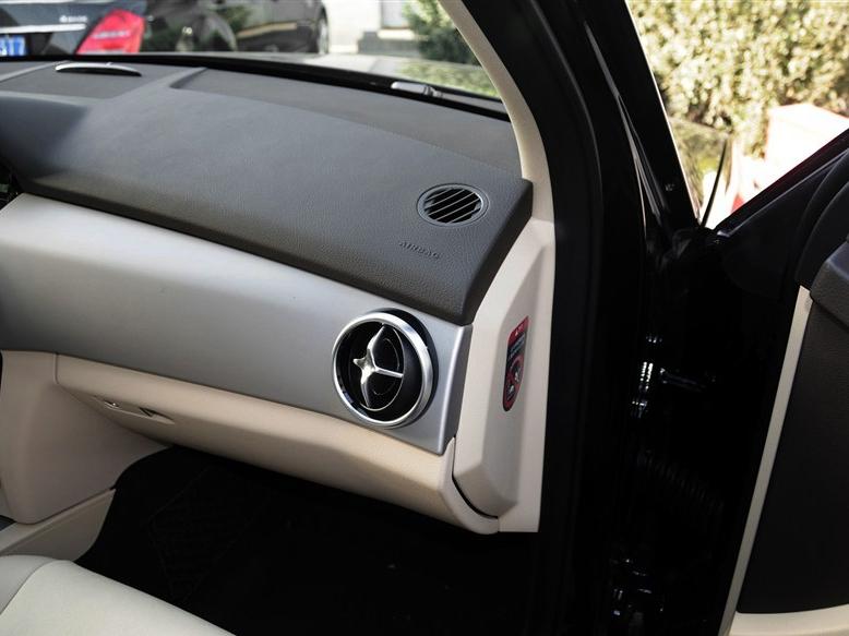 奔驰GLK级 2015款 GLK 260 4MATIC 时尚型 极致版中控方向盘图片