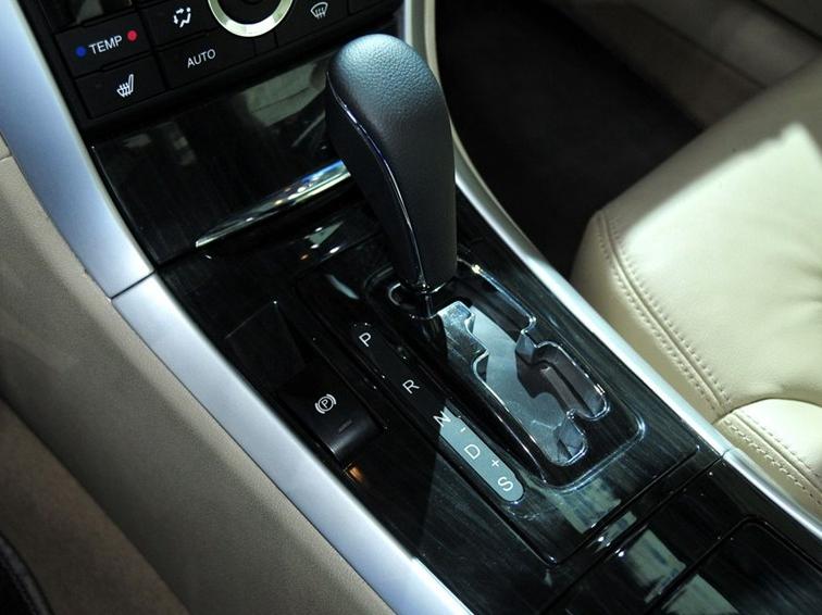 奔腾B90 2012款 2.3L 自动豪华型中控方向盘图片 轿车图片 轿车 商用车网