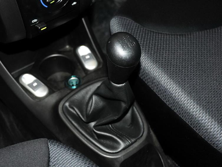 比亚迪F0 2012款 1.0L 尚酷型图片9