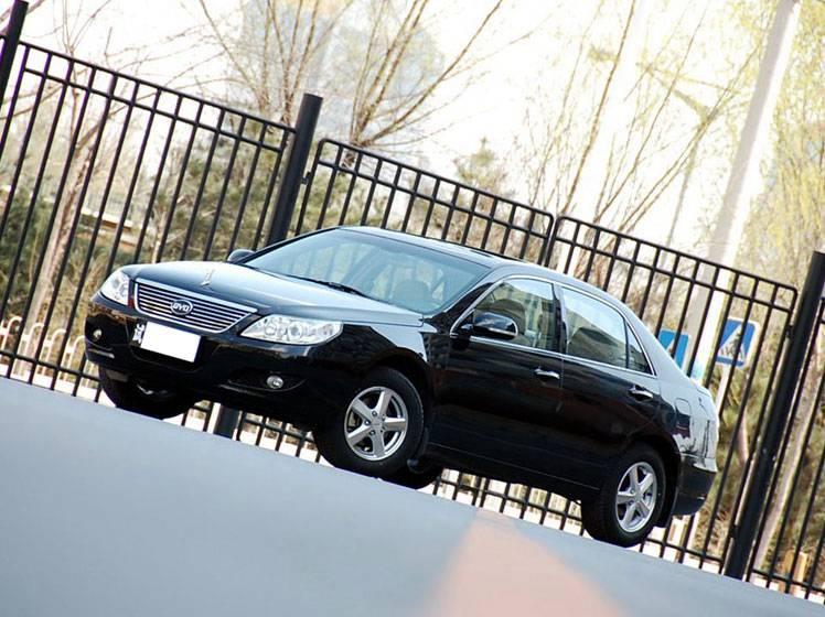 比亚迪F6 2011款 黄金版 1.8L MT豪华型