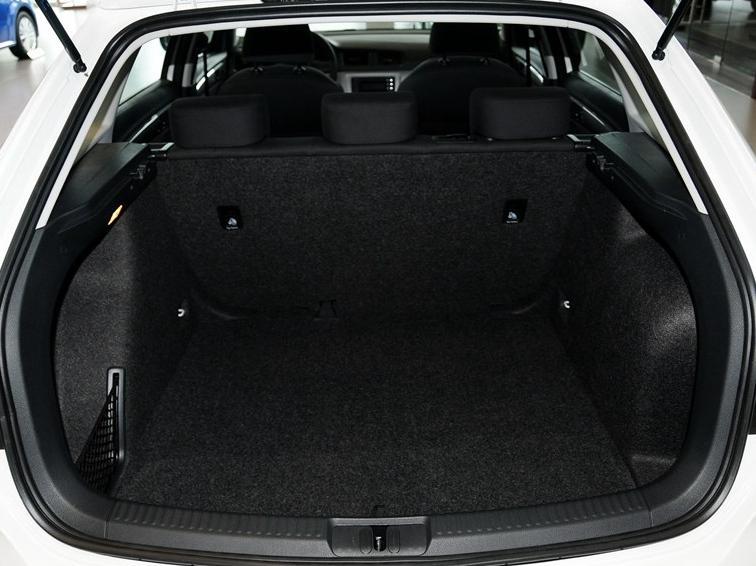 朗行 2013款 1.6L 手动风尚型车厢座椅图片