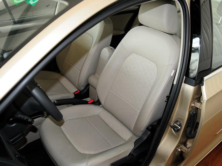 桑塔纳 2013款 1.6l 自动舒适版车厢座椅图片