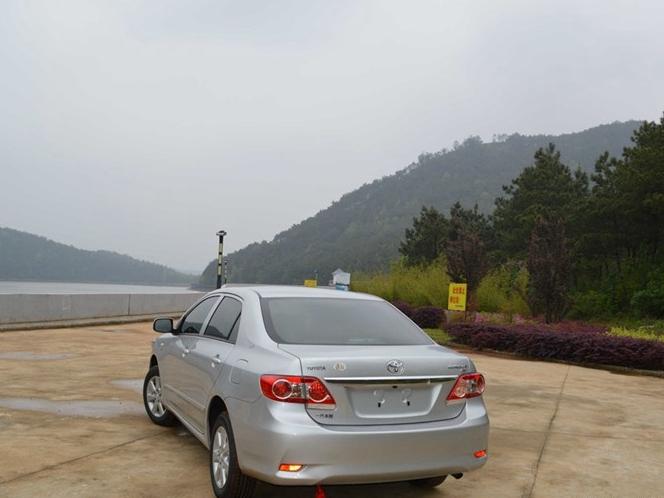 卡罗拉 2013款 特装版 1.6L 手动炫酷型GL图片