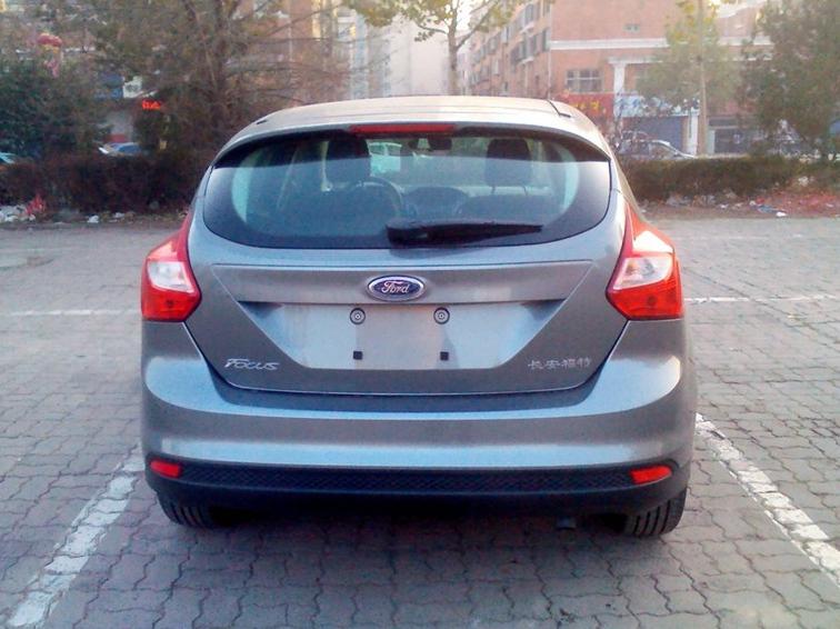 福克斯 2012款 两厢 1.6L AT舒适型车身外观图片