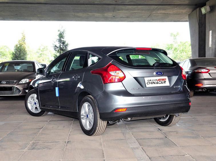 福克斯 2012款 两厢 1.6L MT风尚型车身外观图片