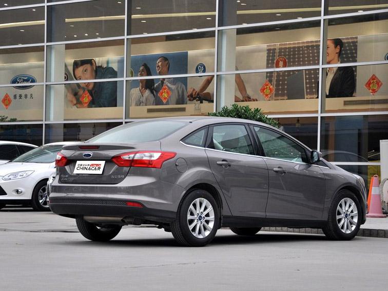 福克斯 2012款 三厢 1.6L AT尊贵型图片3