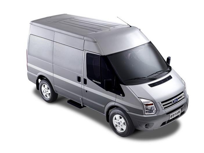 新世代全顺 2015款 2.4T加长轴3座高顶后双胎厢式运输车