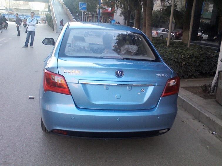 悦翔V3 2012款 1.3L 手动标准型图片3
