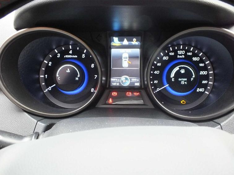 长安CS75 2014款 2.0L 手动舒适型 国V中控方向盘图片
