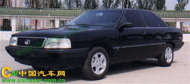 7180A2E红旗牌轿车图片图片