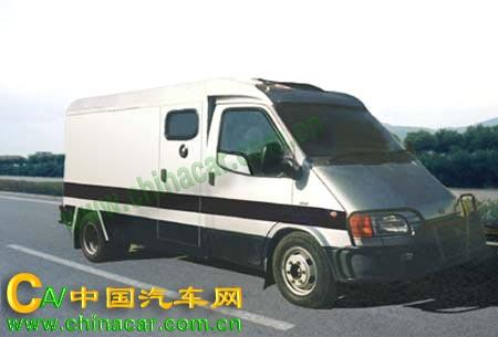 华东牌CSZ5040XYCF1型运钞车图片