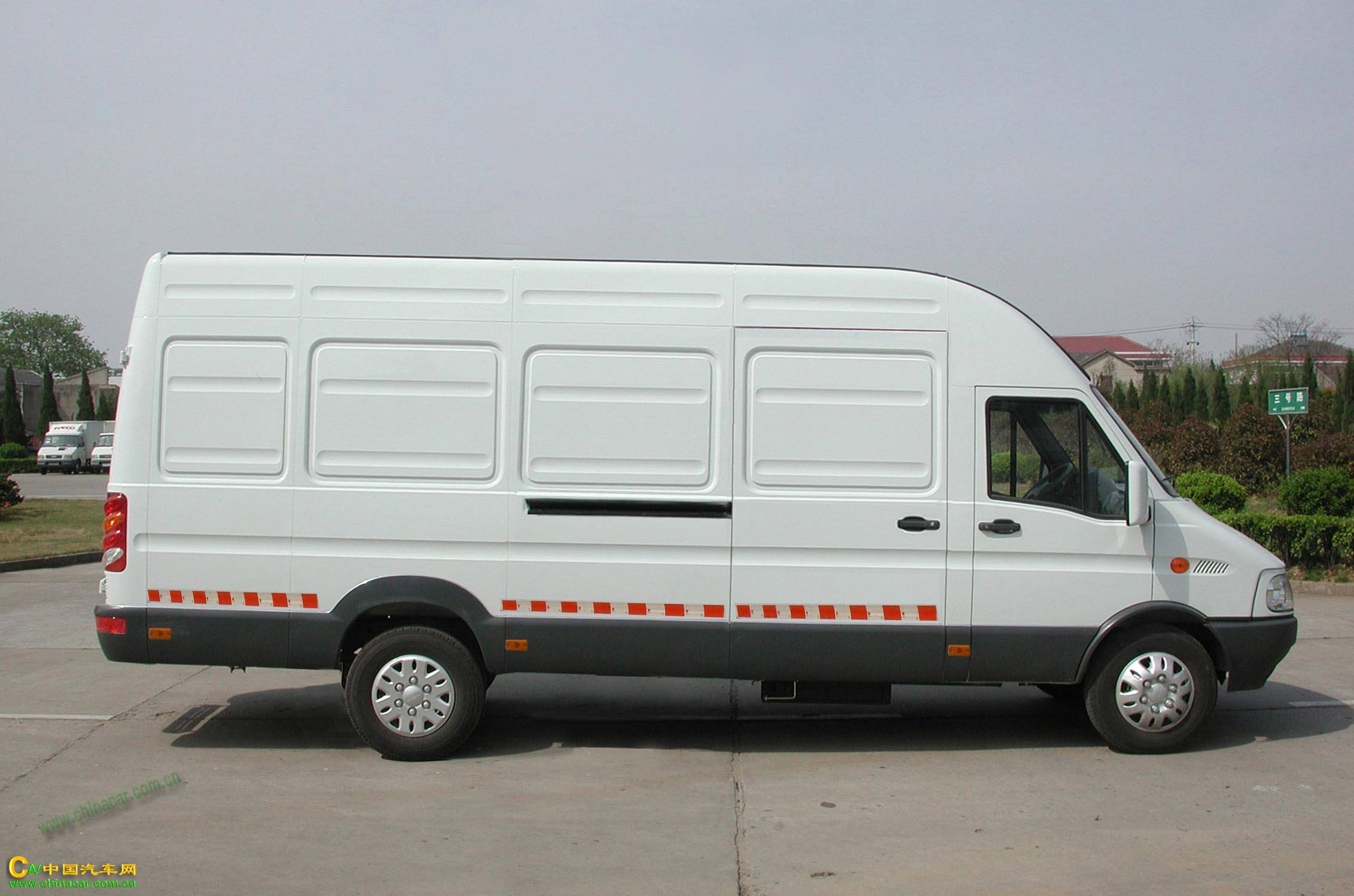 nj5054xxyb依维柯厢式运输车图片