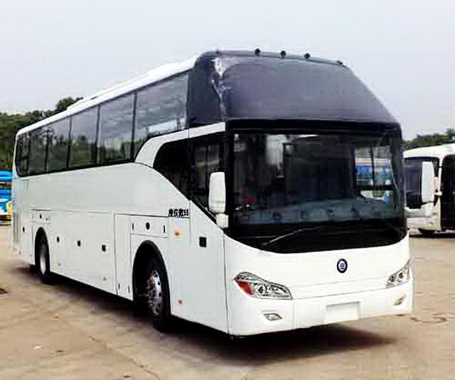楚风牌HQG6122CA5N型旅游客车图片4