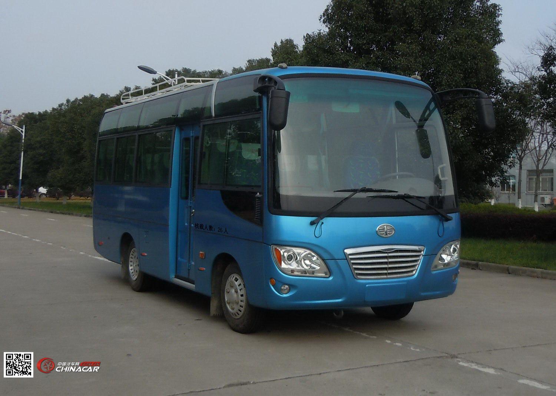 解放牌汽车图片|解放牌客车图片系列|CA6660LFD81Q型解放牌客车产品简介:解放牌CA6660LFD81Q型客车由一汽客车(无锡)有限公司依据GB3847-2005,GB17691-2005(国)标准生产制造,发动机选用一汽客车(无锡)有限公司生产的CY4102-CE4D YC4FA115-40 YN33CRD1 YZ4DB2-40 4DX23-120E4R发动机,发动机排量为3856 2982 3298 4087 3857CC,发动机功率为83 85 85 90 90千瓦,整车总质量6500千克,