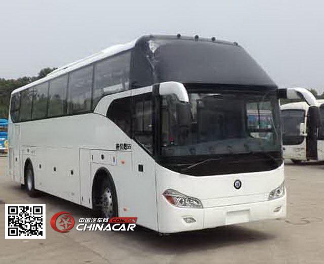 楚风牌HQG6121CL4型旅游客车图片1