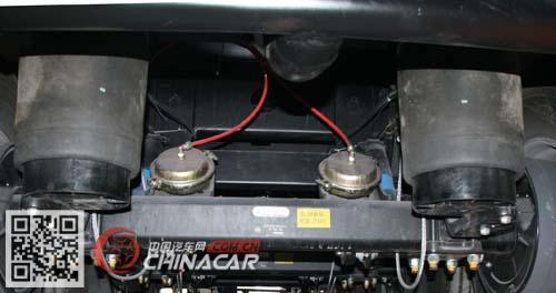 SLS9401GRYB型醒狮牌易燃液体罐式运输半挂车图片2
