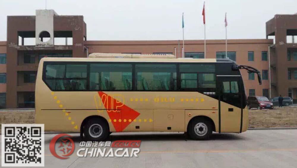 齐鲁牌BWC6771KA5型客车图片2