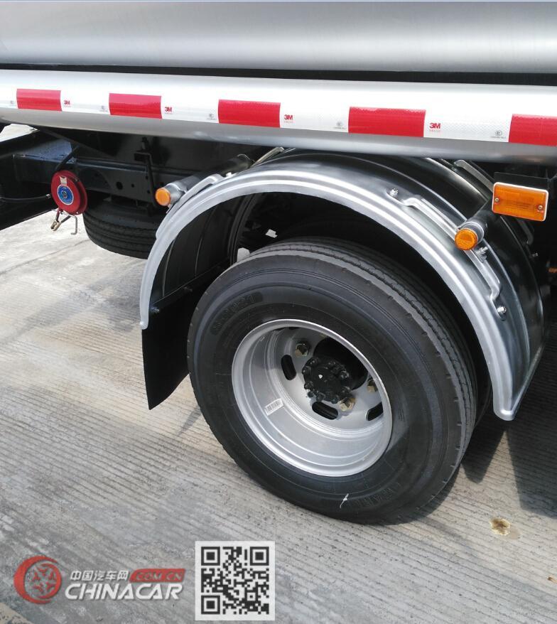 楚胜牌CSC5110GJY5A型加油车图片4