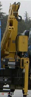 大力牌DLQ5180JSQZM5型随车起重运输车图片3