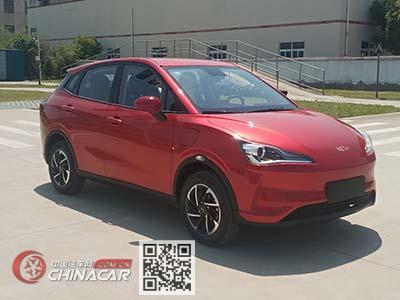 哪吒牌THZ7000BEVS113型纯电动轿车图片1