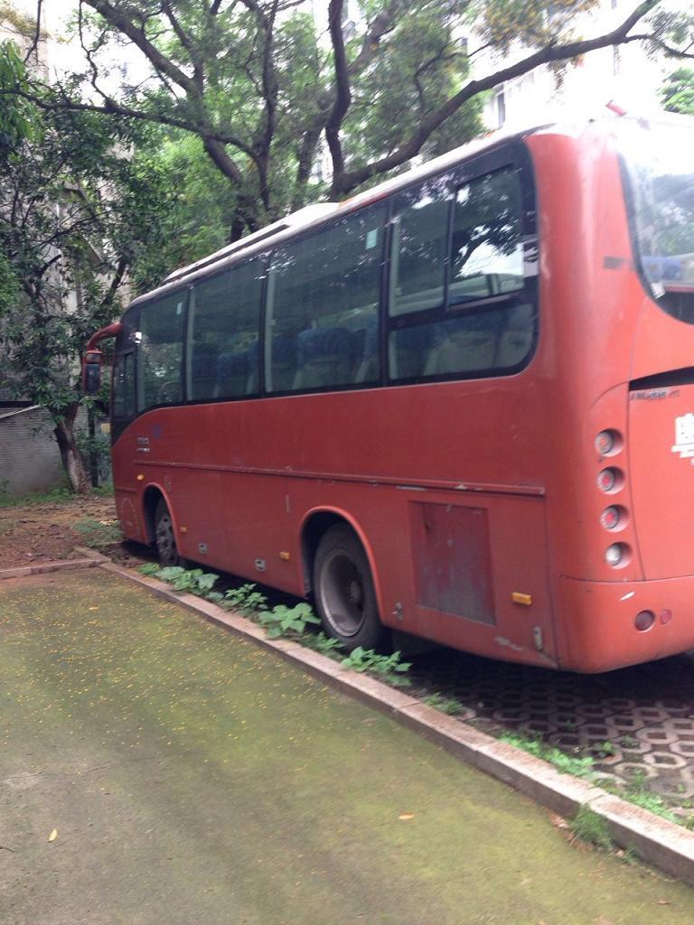 【佛山】厦门金旅豪华客车低价出售 价格5.00万 二手车