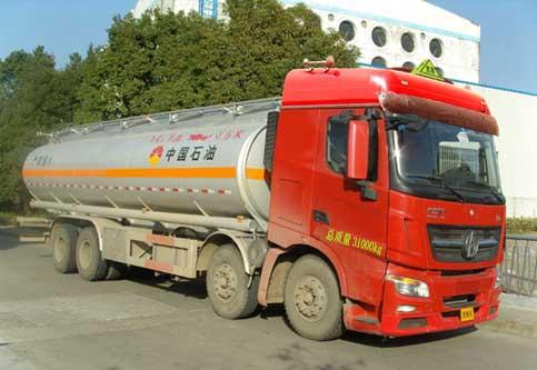 北奔前四后八(国四)加油车主要技术参数,带燃油!