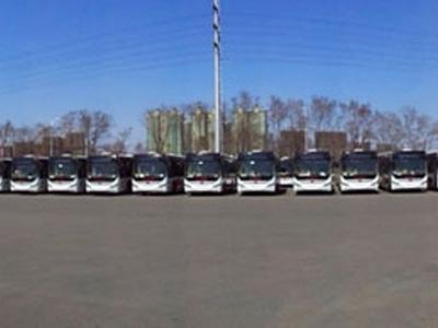 辽宁:60台混合动力公交车抵达抚顺不日将投入运营