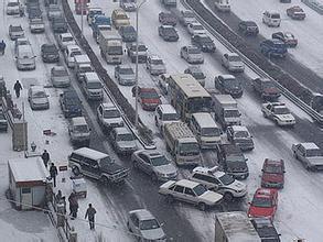 多因素影响交通环境   治堵应告别汽车依赖