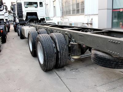 气囊悬挂配小轮胎 T5G载货车也玩低重心