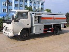 更轻更安全 程力铝合金油罐车