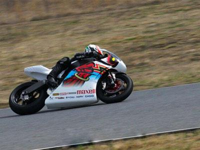 第5代shinden神电摩托赛车拥有161匹强悍动力