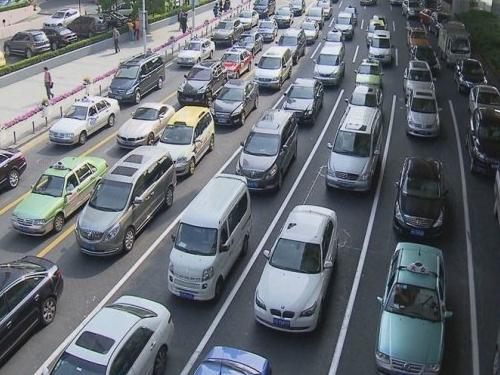 堵车面前,城城平等,今天你堵了吗?