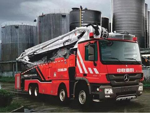 中联重科 大跨距特种举高喷射消防车来袭