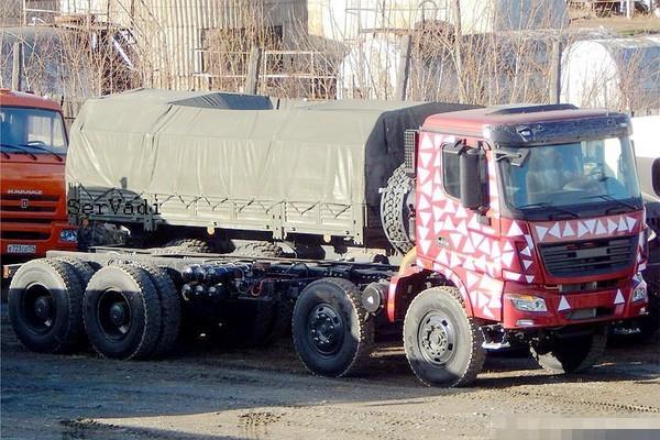 北奔驾驶室! 俄乌拉尔工厂再爆新车谍照