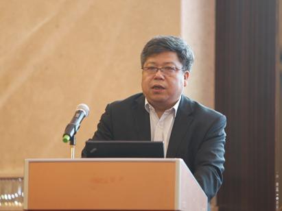 吴志新:特殊路权等非财税政策将接力推动新能源汽车发展