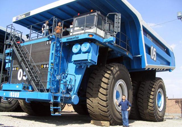 比跑车还要贵!那么不怎么起眼巨型工程车竞价值千万