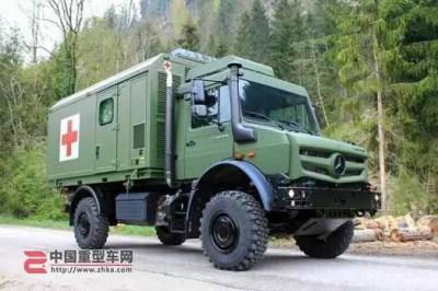 全新奔驰乌尼莫克全地形救护车解析