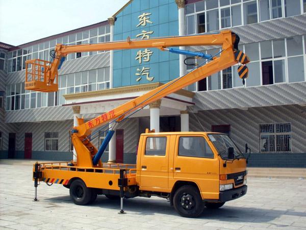 小型高空作业车有几种方向助力