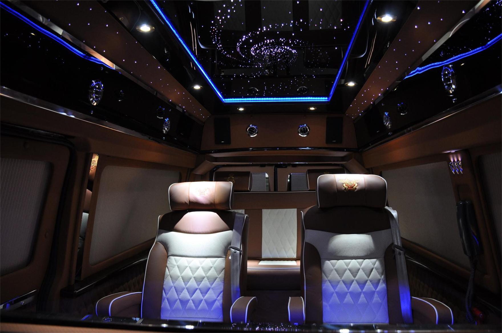 2014款 福特e350 皇驾星空版|新闻资讯 中国汽车网