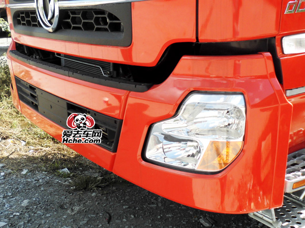 东风汽车配件 东风康明斯 大力神保险杠上格栅8406035-C0100